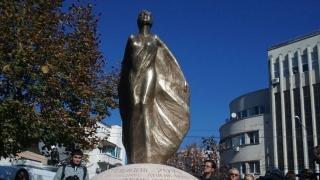 Monumentul construit în memoria victimelor de la Colectiv a fost dezvelit