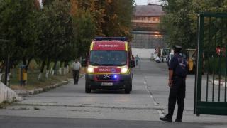 Răniții în explozia de la Petromidia, aduși în Capitală cu ambulanțele