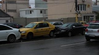 Accident grav la Delfinariu! Mai multe autoturisme implicate!