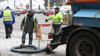 Avarie la conducta de apă de pe strada Baba Novac