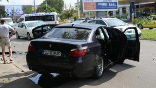 Trei mașini, implicate într-un grav accident pe bulevardul Mamaia