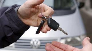 Dosar penal pentru că a împrumutat mașina unui prieten fără permis de conducere