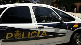 ALERTĂ! Individ cu o centură cu explozibil, împușcat lângă Barcelona