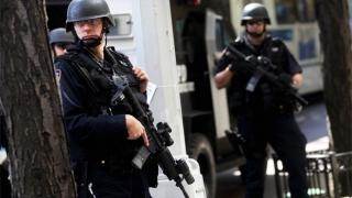 Atac armat în New York! O persoană a fost ucisă