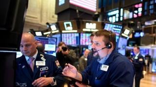 WSJ: În cât timp şi-ar putea reveni economia SUA după criză. Analist: