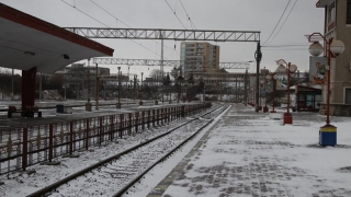 Încă un tren blocat în zăpadă. În total, 51 de garnituri anulate
