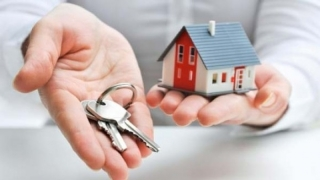 În ce condiții ar trebui românii să-și cumpere o casă