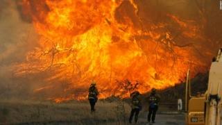 Incendiul din California se îndreaptă către așezările pitorești din zona de coastă