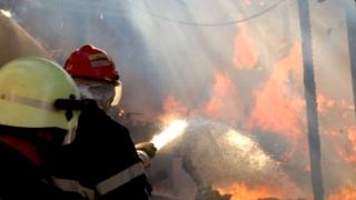 Incendiu puternic la o hală din localitatea constănțeană Siminoc