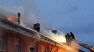 Incendiu la blocul NATO din Murfatlar. 58 de persoane evacuate!