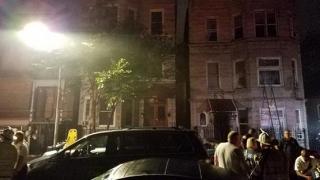 Incendiu cumplit la Chicago! Cel puţin opt morţi, dintre care şase copii