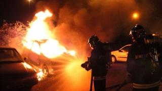 INCENDIU de proporții pe DN1! Mai multe mașini, arse. Trafic BLOCAT!