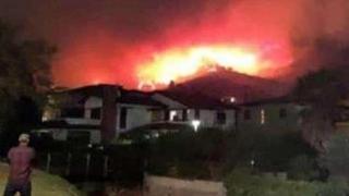 Incendiu de proporţii în Italia: sute de persoane evacuate