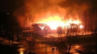 Incendiu în Ucraina, la graniţa cu România. Un întreg oraș, evacuat