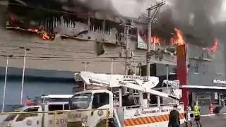 Incendiu puternic într-un hotel. Mai mule victime