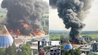 Incendiu devastator într-un popular parc de distracţii. 25.000 de persoane, evacuate