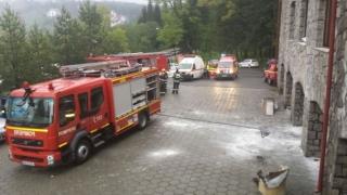 120 de turişti, evacuaţi după izbucnirea unui incendiu într-un hotel