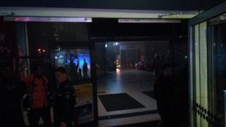Incendiu puternic într-un magazin din City Mall. Oamenii au fost evacuați