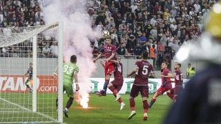 Incidente GRAVE la meciul Steaua-Rapid. Huliganii au lovit femei și copii