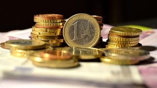 "Hai cu 5 lei/euro, să fie ""fics""!"