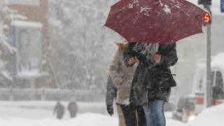 Meteorologii au emis o nouă atenționare de VÂNT şi NINSORI puternice
