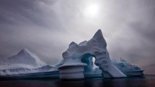 Îngrijorător! Groenlanda se topeşte!