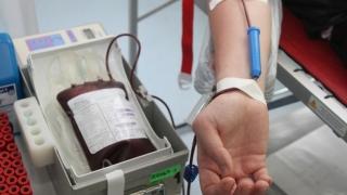 ÎNGRIJORĂTOR! Numărul donatorilor de sânge, de două ori mai mic!