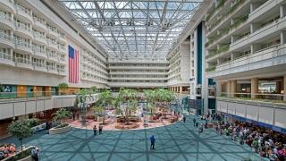 Terminal al unui aeroport din SUA, închis din cauza unui bărbat înarmat cu un pistol fals