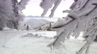 Întâi vine frigul, apoi ninsorile