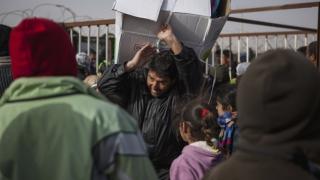 Într-o singură lună, peste 133.000 de sirieni au fugit din Ghouta de Est