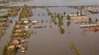 Dezastru în California: mii de persoane evacuate și mii de clădiri inundate
