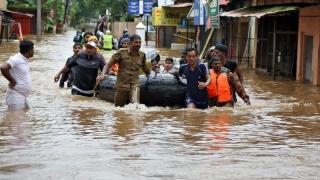 Inundaţiile fac prăpăd în India! Peste un milion de evacuaţi!
