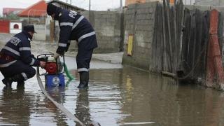 IGSU: 31 de localităţi din 14 judeţe, afectate de ploile abundente