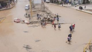 Un val de noroi a îngropat 600 de persoane în Sierra Leone