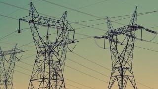 """Rețeaua de electricitate """"țipă"""" după 10 miliarde euro"""