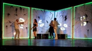 Invitație la teatru, în pod, la MINAC