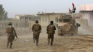 Combatanți ai grupării Statul Islamic au aruncat în aer clădiri guvernamentale din Mosul