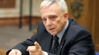 Veniturile lui Mugur Isărescu la Banca Naţională au scăzut