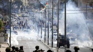 Trei israelieni, uciși cu focuri de armă de un palestinian lângă o colonie
