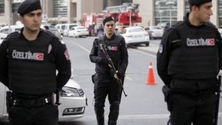 Secție de poliție din Istanbul atacată cu grenade și focuri de armă