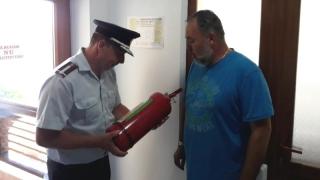 251 de sancțiuni pentru 54 de obiective de turism şi alimentaţie controlate de pompieri