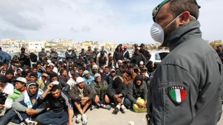 Italia ia măsuri dure în privinţa migranţilor şi atrage atenţia Franţei că nu s-a prea implicat!