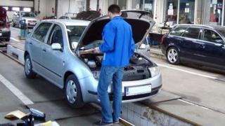 Proprietarii de maşini mai vechi de 12 ani, afectaţi. Legea a intrat în vigoare!