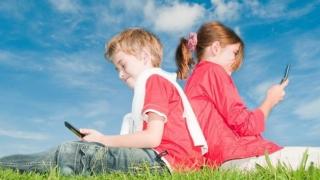 Înfiorător! Jocul online prin care copiii sunt încurajaţi să fugă de acasă