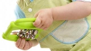 Jucărie pentru bebeluşi, retrasă de pe piaţă. Pericol de sufocare!