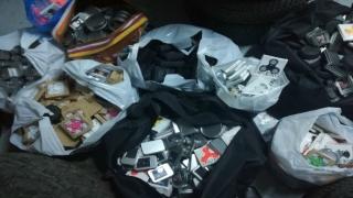 Mii de jucării fără documente legale, confiscate de polițiștii de frontieră