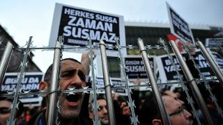 Opoziția turcă susține că 32 de jurnaliști sunt arestați în prezent