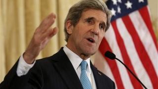Secretarul de Stat John Kerry a efectuat o vizită neanunțată la Bagdad