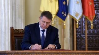 Preşedintele a promulgat completări ale Statutelor deputaţilor şi senatorilor şi al aleşilor locali