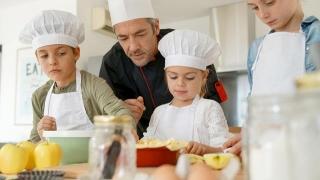 La bucătărie! Ce poate găti singur copilul tău?